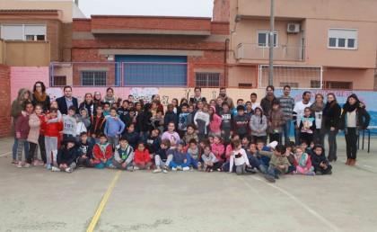 """El projecte """"pati educador"""" promou tallers interculturals en el Dia Escolar de la Pau"""