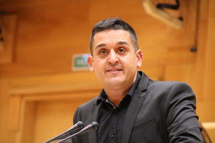 Compromís denuncia que el Govern ataca la presència del valencià en els senyals de trànsit