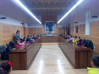 Alumnes del CEIP Jaume I acorden amb l'ajuntament la solució a la reducció de velocitat