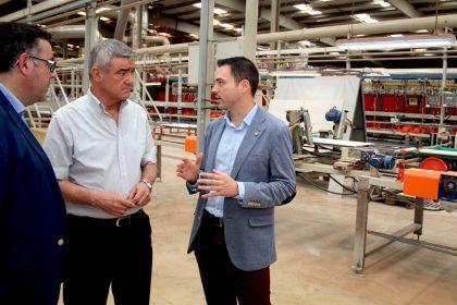 Els alumnes del curs de 'Procés de fabricació ceràmica' d'Onda realitzen les pràctiques en empreses del sector