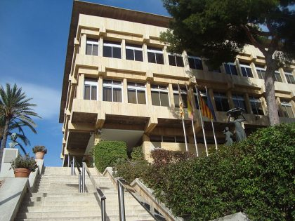 Benicàssim reobri el Centre Cultural Melchor Zapata i la Sala Escena
