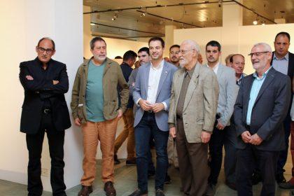 El prestigiós ceramista Enric Mestre dóna a Onda una valuosa peça de la seua col·lecció