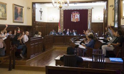 Moliner reafirma la seua política de consensos en aprovar sense oposició els pressupostos de Turisme, Bombers i Escola Taurina
