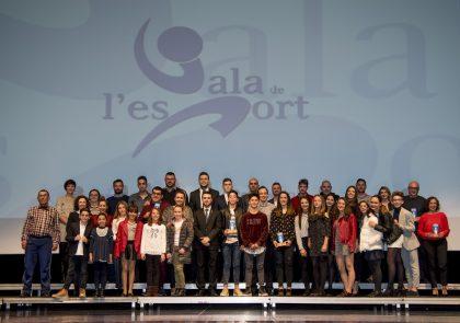 L'Ajuntament de la Vall d'Uixó reconeix a Isabel Ferreres i Eduardo Regue com a esportistes més destacats del 2017
