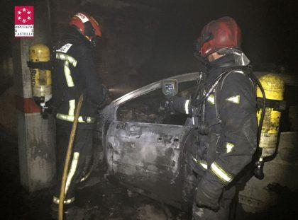 Greu incendi en un pàrquing a Borriana