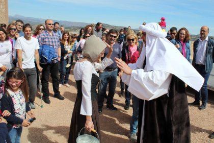 El Festival de titelles omple de turistes el castell d'Onda