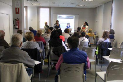 Nules imparteix un curs de formació per a cuidadors de persones dependents