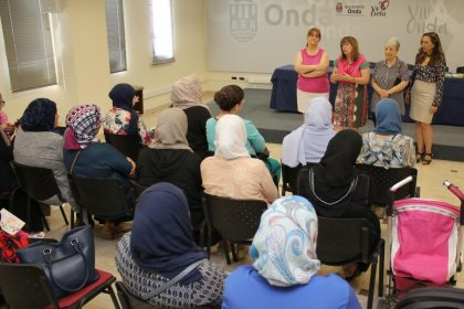 Onda celebra el final de curs de castellà per a dones immigrants