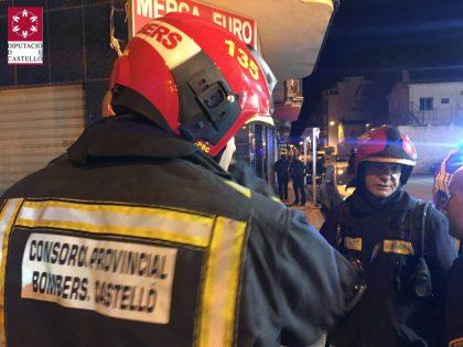 Un incendi desallotja a 25 persones a la Vall d'Uixó