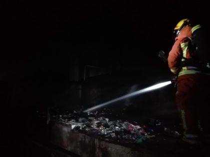 Incendi en un edifici abandonat a Cullera