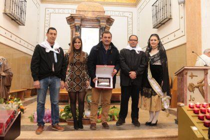 L'Ajuntament de Peníscola ha rebut el reconeixement de l'associació de Sant Antoni per la seua tasca en favor de la conservació i promoció del festeig
