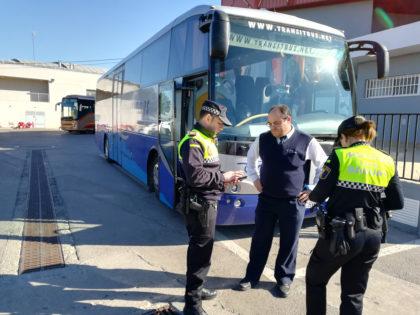 La DGT i la Policia Local intensifica la vigilància del transport escolar a Sagunt