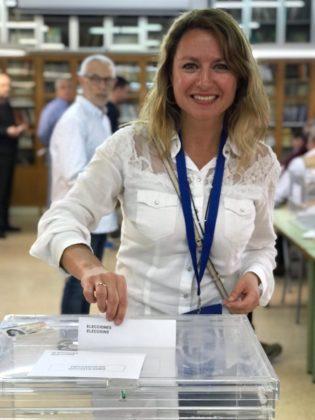 Begoña Carrasco ja ha votat en l'IES Sos Baynat de Castelló