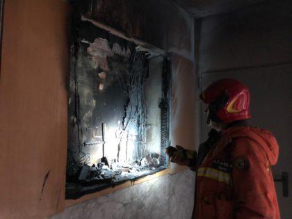 Greu incendi en un edifici a Paterna