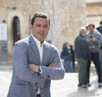 """""""Estem treballant intensament per la dinamització i promoció dels sectors productius"""" – Entrevista a Andrés Martínez, candidat a l'alcaldia de Peníscola pel PP"""