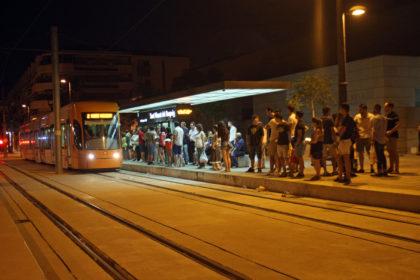 TRAM d'Alacant oferirà servei especial nocturn el dissabte amb motiu de l'Entrada de Bandes