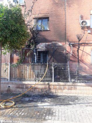 Incendi en una terrassa d'una casa a Paterna
