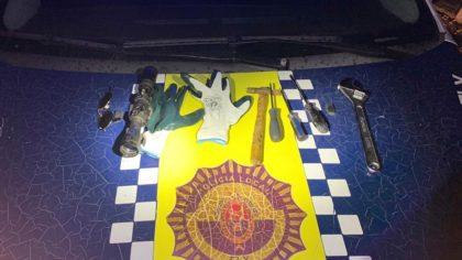 Trobades en un vehicle diverses eines per cometre un robatori a Elx
