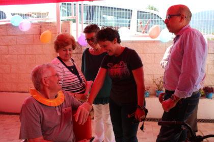 Els usuaris del Centre de Dia d'Alzheimer d'Onda celebren una jornada de convivència amb les seues olimpíades