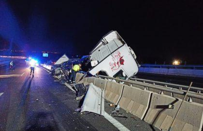 Aparatós accident en l'A7 a Elx