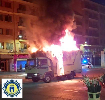 S'incendia un camió bar-cafeteria a la Vall d'Uixó