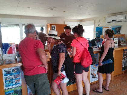 Els informadors turístics a Peníscola han atès gairebé 80.000 consultes durant els mesos de juny a setembre