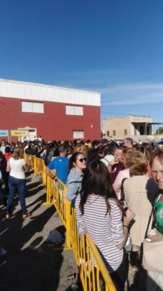 Immenses cues per a comprar l'entrada a l'Arenal Sound de Borriana