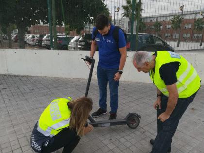 La Policia Local de Sagunt rep formació específica sobre els patinets elèctrics