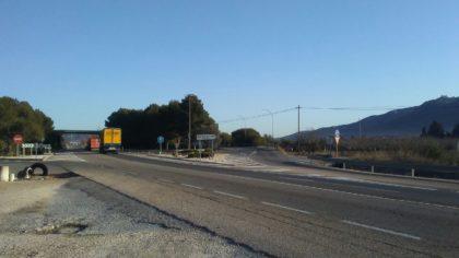 Alcalà-Alcossebre aprova una declaració institucional perquè els transportistes locals puguen circular per la Nacional 340