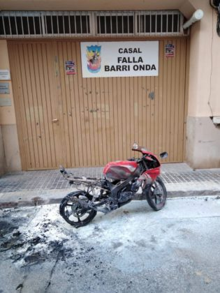 S'incendia una moto a Borriana