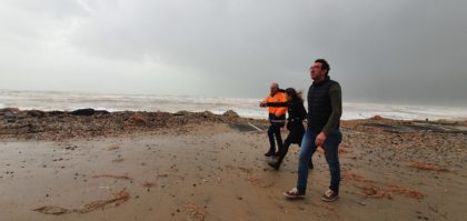 El temporal destrossa el passeig marítim de Morro de Gos d'Orpesa i danya comerços i cámpings
