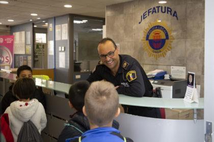La Policia Local d'Onda agrairà als xiquets el seu exemplar comportament a casa durant l'Estat d'Alarma