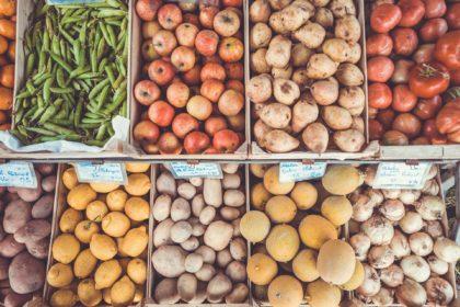 Es repartixen aliments a diferents famílies de la localitat de Castelló