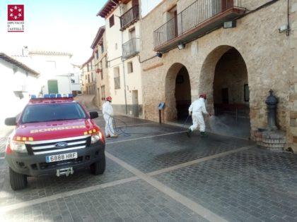 Els bombers de la Diputació de Castelló han realitzat 153 serveis de desinfecció des de la declaració de l'emergència sanitària