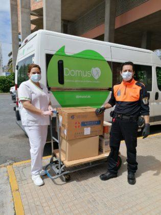 Sagunt repartix material de protecció sanitari entre les residències del municipi