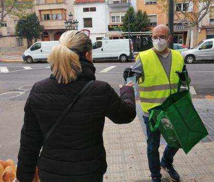L'Ajuntament d'Utiel reparteix màscares en el municipi