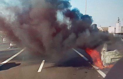 S'incendia una furgoneta prop de València