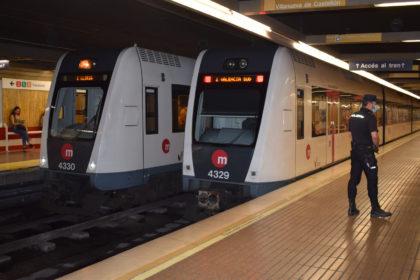 La Generalitat instal·larà durant l'estiu desfibril·ladors en les principals estacions de Metrovalencia i TRAM d'Alacant