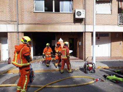 Incendi en un garatge d'un edifici a Manises