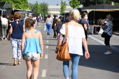 Vila-real reactiva el mercat ambulant de roba que se celebrarà els dimecres i dissabtes en la Ciutat Esportiva Municipal