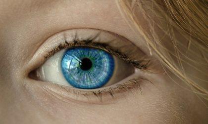 El Servei d'Oftalmologia de l'Hospital Clínic demana extremar les mesures d'higiene d'ulls de manera especial durant la pandèmia