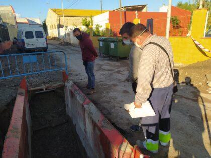 Castelló impulsa una nova xarxa de sanejament en el Grau que evita la contaminació d'aigües residuals en la sèquia del Camí Vell de la Mar