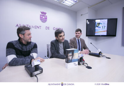 "Adolfo Domínguez presenta a Gandia el seu llibre ""Juan Griego"""