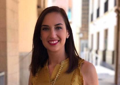 """Espanya: """"Demanem a Ribes que expliqui per què la seva parella, un assessor i els seus amics i membres de Joventuts Socialistes també van rebre abonaments gratis de transport"""""""