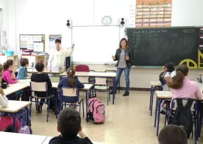 L'Ajuntament de la Vall d'Uixó visita els col·legis de la ciutat amb la Campanya d'Igualtat per a Escolars